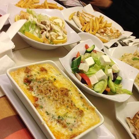 مطعم سنيز