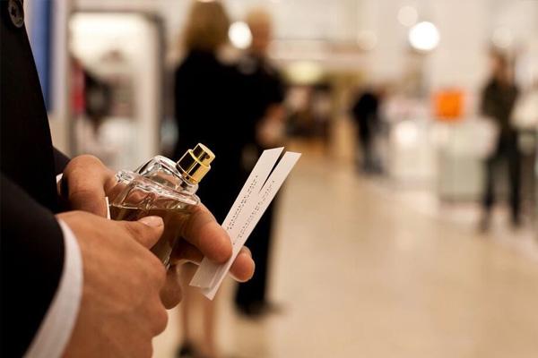 أسعار العطور فى السوق الحرة دبي