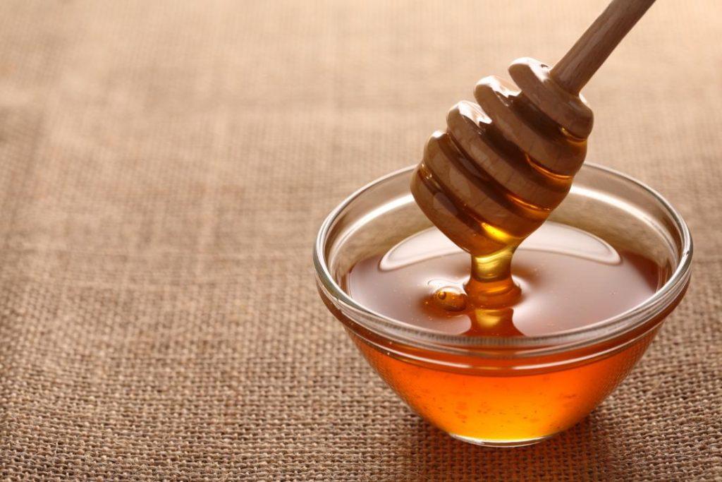 أضرار العسل للبشرة