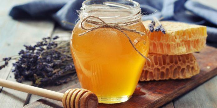اين يوجد العسل الابيض