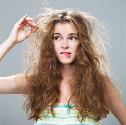 اسباب تقصف الشعر من الجذور