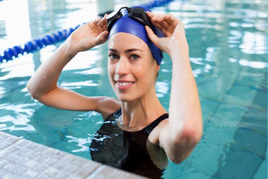 السباحة في مياه مليئة بالكلور