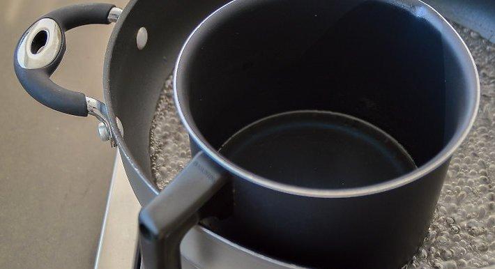 طريقة عمل الشمع الأسود في المنزل