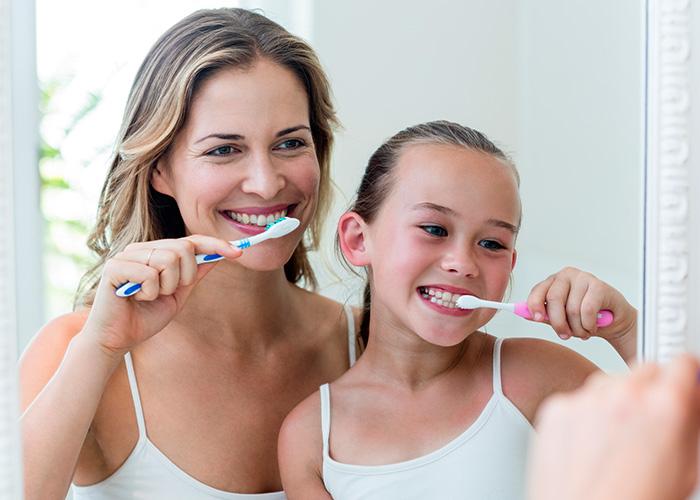 العناية بالاسنان للاطفال
