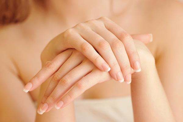 تجميل اليدين بالليزر