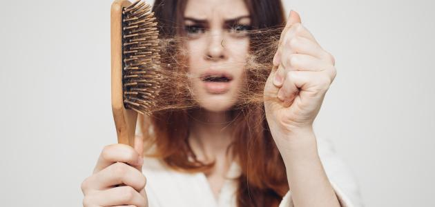 حل سريع لتساقط الشعر بغزارة