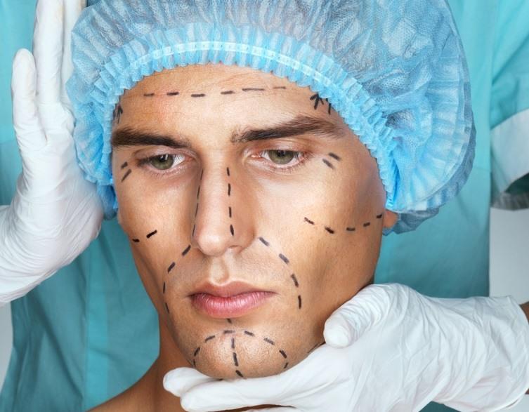 عمليات تنحيف الوجه للرجال