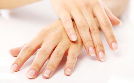 وصفة الفازلين لتفتيح اليدين