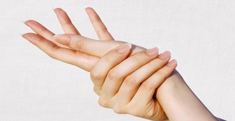 وصفة لتبييض اليدين من اول استعمال