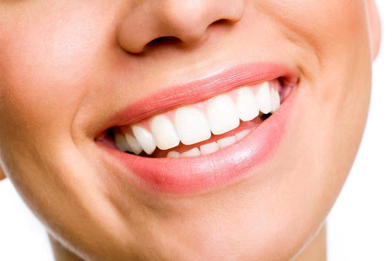 زرع الاسنان بعد الخلع