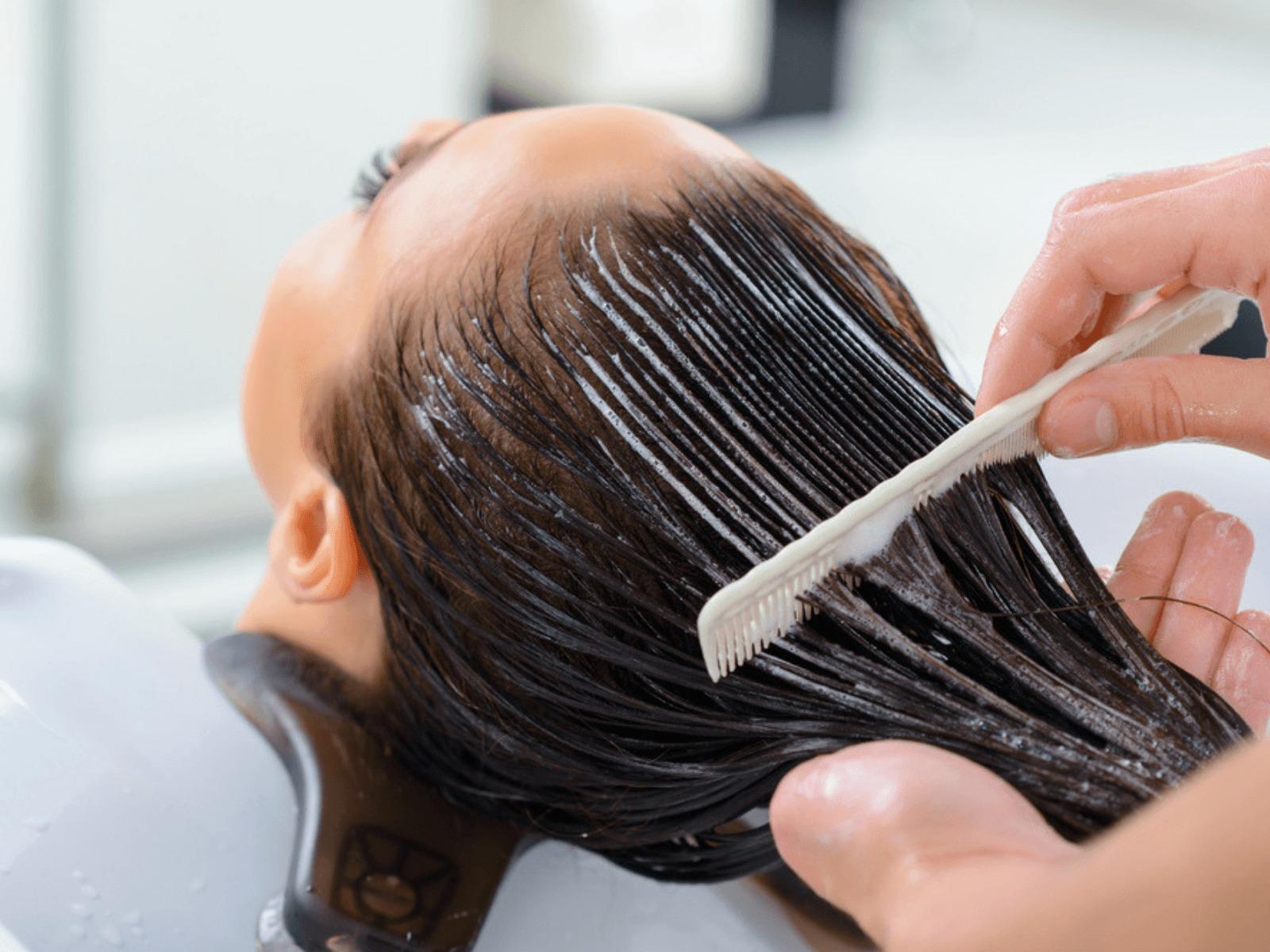 زيت جوز الهند لتطويل الشعر بسرعة