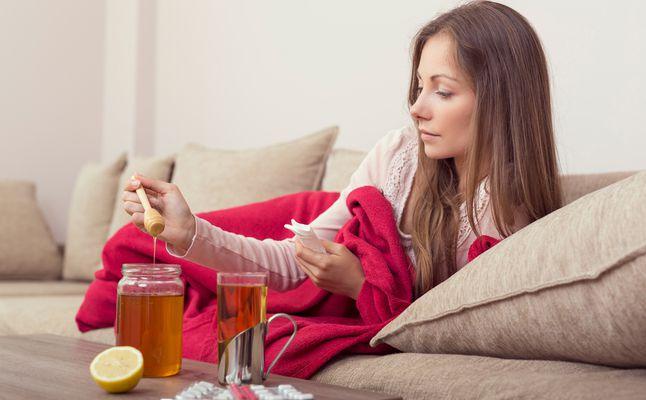العسل قبل النوم للسعال