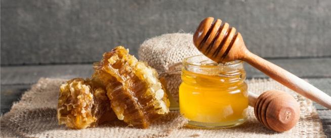 فوائد العسل للقولون الهضمي