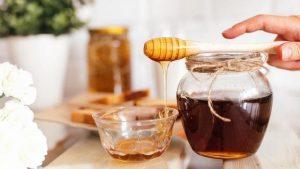 العسل وحبة البركة لهرمون الحليب