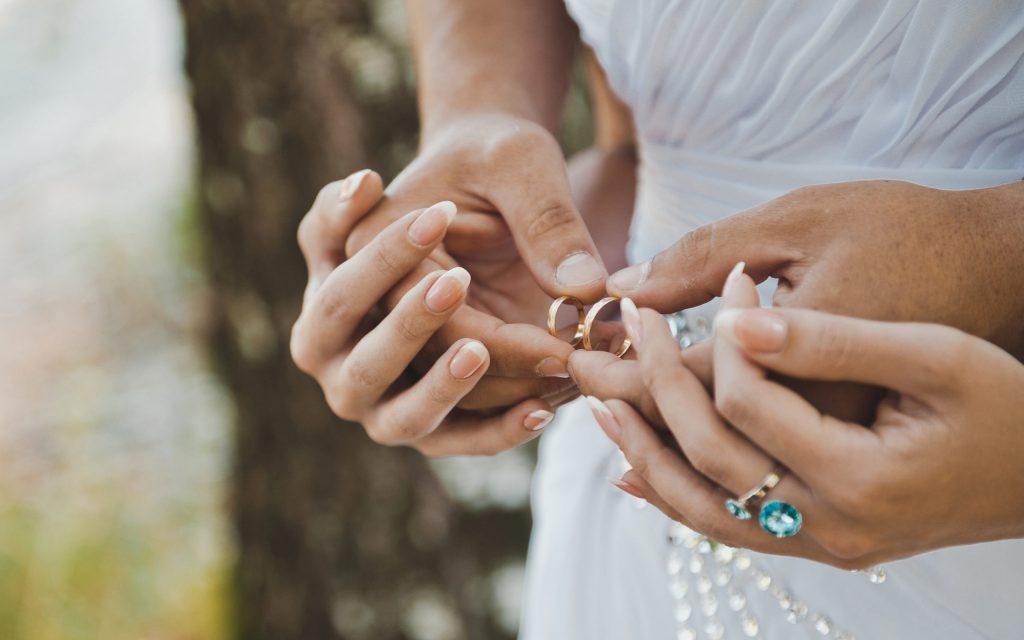 ماهي شروط زواج السعودية من اجنبي غير مقيم؟