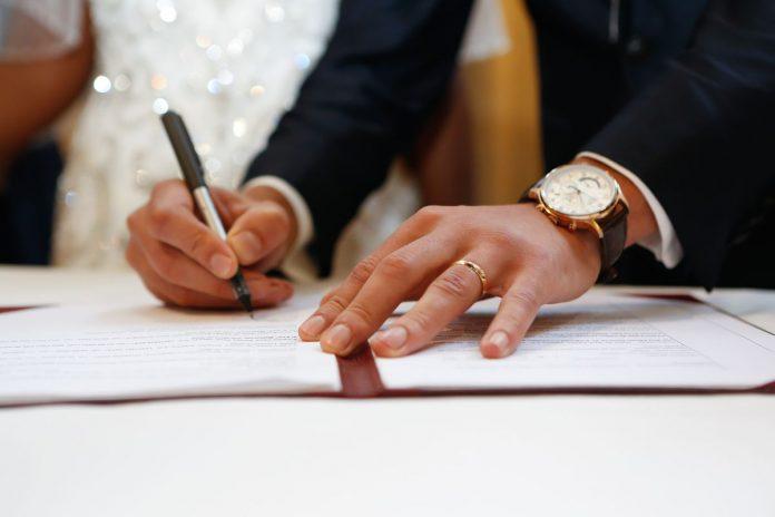 معاملة زواج السعودي من أجنبية مواليد المملكة